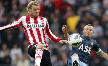 Тойвонен в игре с Фейенордом, фото fcupdate.nl