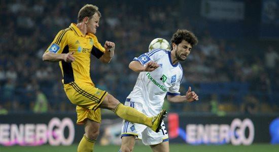 Андрей Березовчук против Адмира Мехмеди. © Дмитрий Неймырок, Football.ua