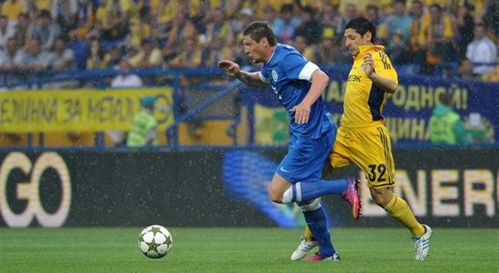 Евгений Селин против Олега Красноперова. © Дмитрий Неймырок, Football.ua