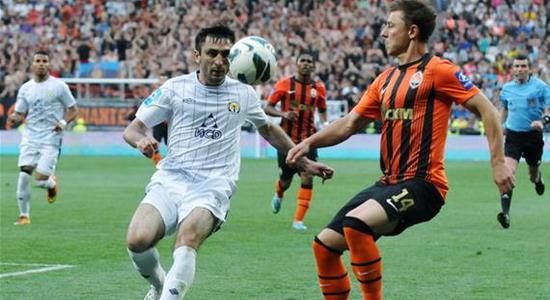 Кобин против Мкртчяна, © Михаил Масловский, Football.ua