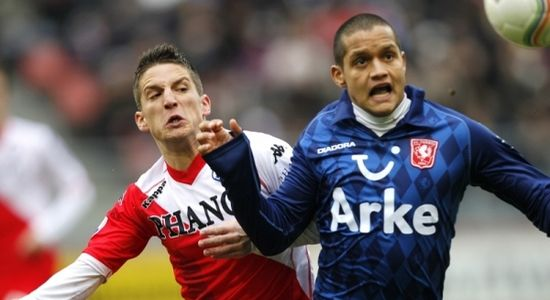 Роберто Росалес (справа), fcupdate.nl