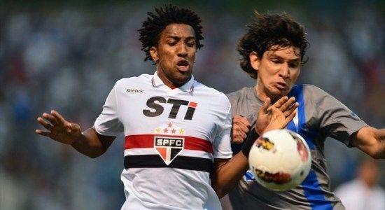 Бруно Кортес в игре за Сан-Паулу, фото AFP