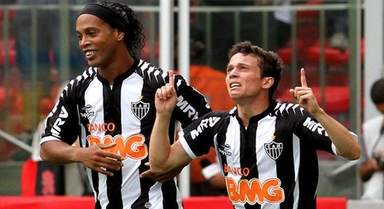 Бернард и Роналдиньо, jogadaensaiada.com.br