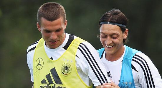 Лукас Подольски и Месут Езил, Sky Sports