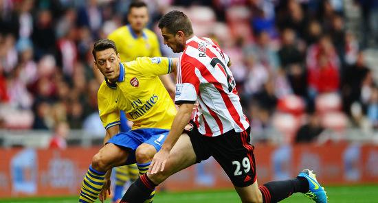 Месут Езил уже помогает Арсеналу. Фото Sky Sports