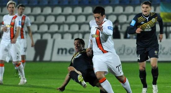 Илсиньо в дерби с Металлургом. Фото Михаила Масловского, Football.ua