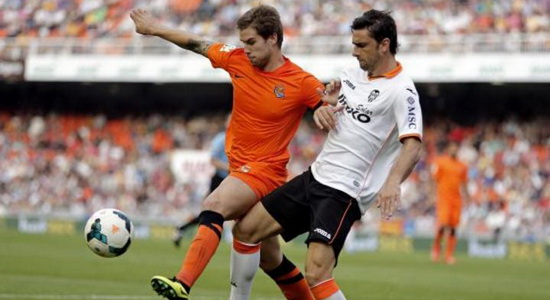 Иниго Мартинес останавливает Потшигу, фото superdeporte.es