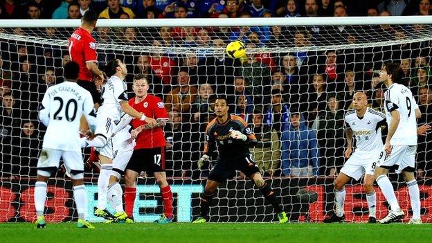Стивен Колкер забил победный мяч, фото bbc.co.uk