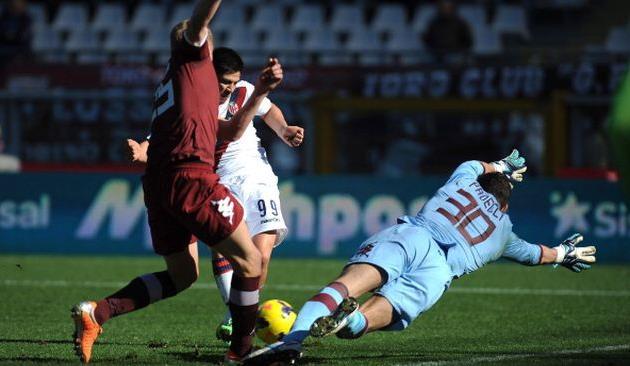 Джонатан Кристальдо поражает ворота Торино, фото Getty Images