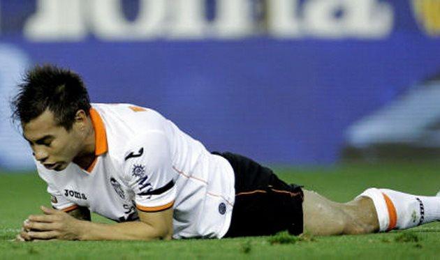 Гол Варгаса не помог Валенсии победить, фото superdeporte.es