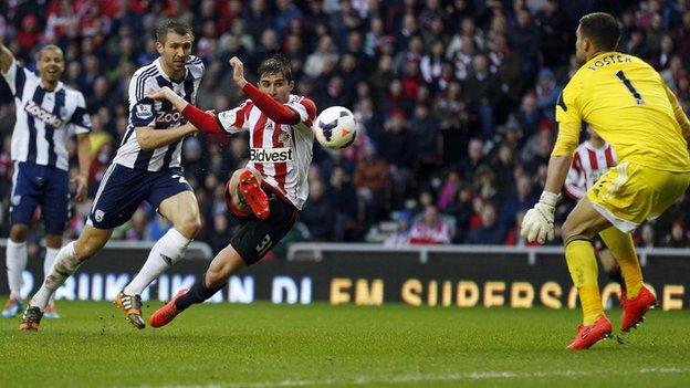 Борини забивает второй мяч в матче, bbc.co.uk