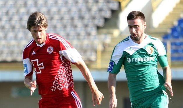 Шершун против Янузи, фото О. Дубины, Football.ua