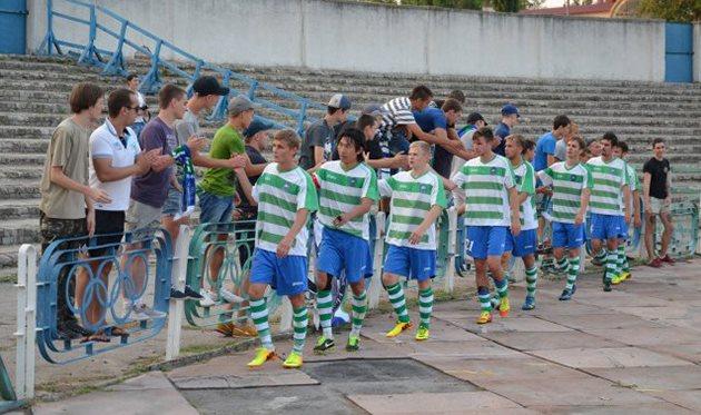 Кристалл во второй раз отобрал лидерство у овидиопольцев, фото fckristal.com