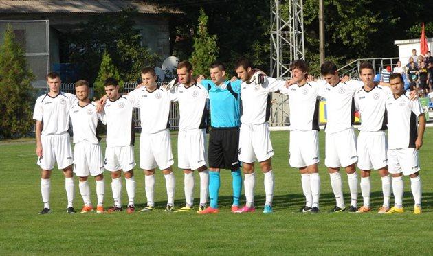 Серебряные призеры второй лиги уверенно себя чувствуют на втором месте и в первой лиге, фото fcstal.com.ua