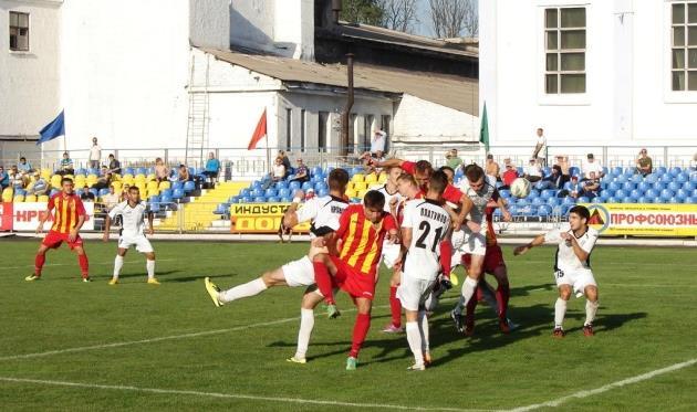 Тур был богат шикарными матчами, один из которых состоялся в Днепродзержинске, фото fcstal.com.ua