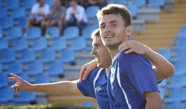 Сомов (справа): «Забивать - так сразу два!», фото А.Белоножко, niknews.mk.ua