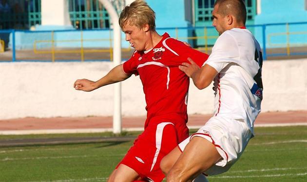 Горняку не помог даже универсальный Солдат (слева), фото fcgornyak.dp.ua