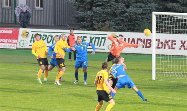 Русан старался, как мог, но вынужден был четырежды вынимать мяч из сетки, фото fco.com.ua