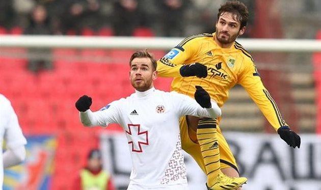 Бикфалви против Торсильери, фото Р. Шевчука, Football.ua
