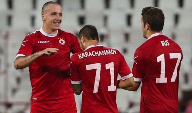 Тончи Кукоч (слева), sportal.bg