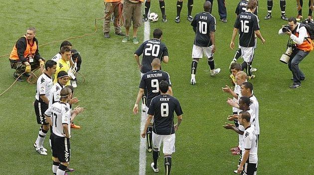 Последний раз Валенсия приветствовала Реал подобным образом в 2011-м году, фото marca.com