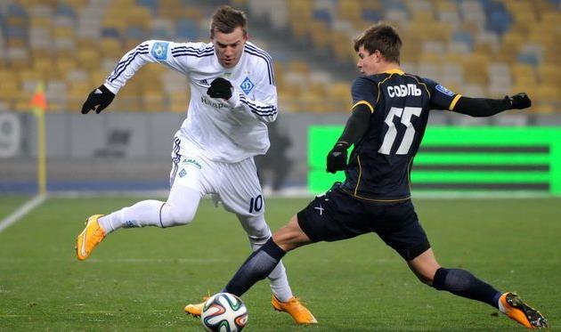 Ярмоленко против Соболя, фото И. Хохлова, Football.ua
