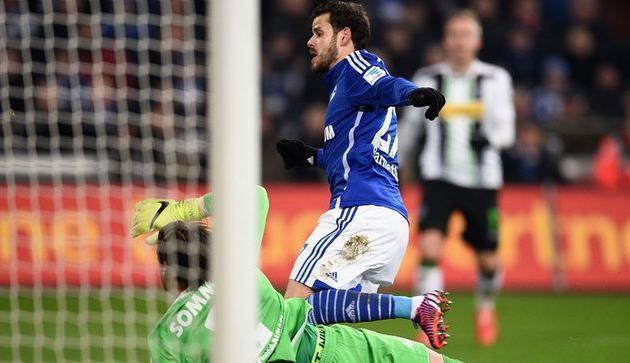Барнетта забивает победный гол, фото kicker.de
