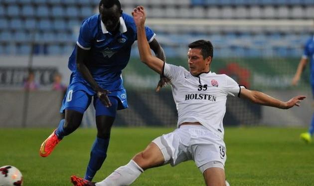 Грицай против игрока Мольде, фото Football.ua