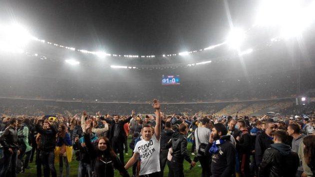 УЕФА не решил, как наказывать Олимпийский или Днепр