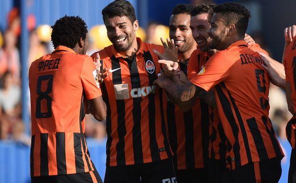 Игроки Шахтера празднуют гол в ворота Стали, shakhtar.com