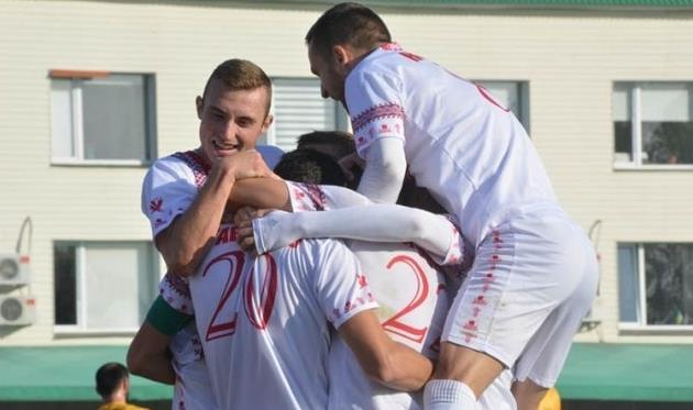 Игроки Черкасского Днепра празднуют гол, ckdnipro.com.ua