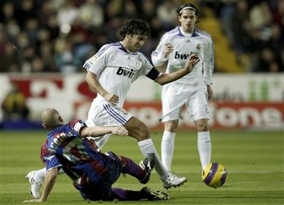 Трудная победа Реала, АР