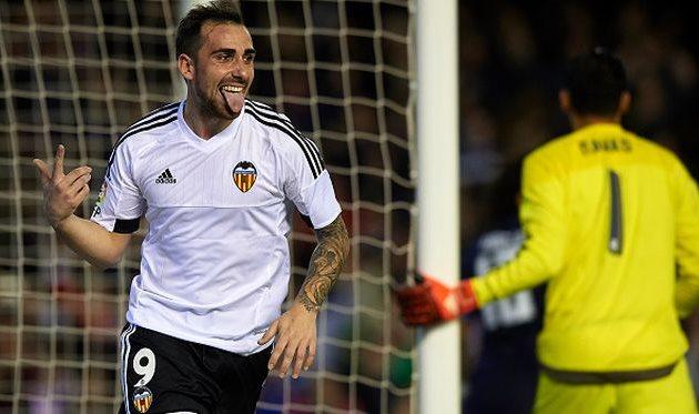 Marca: Д.Алвес заменит Браво вБарселоне