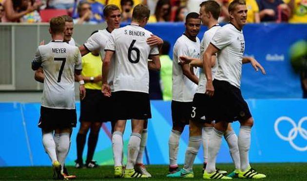 Футболисты сборной Германии победили команду Нигерии вполуфинале Олимпиады