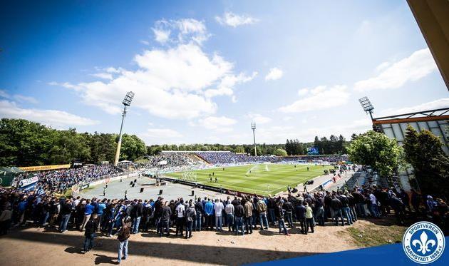 «Дармштадт» переименовал собственный стадион вчесть болельщика, умершего отрака