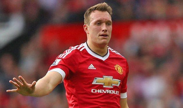 Фил Джонс получил травму ине несомненно поможет «Манчестер Юнайтед» вближайших матчах