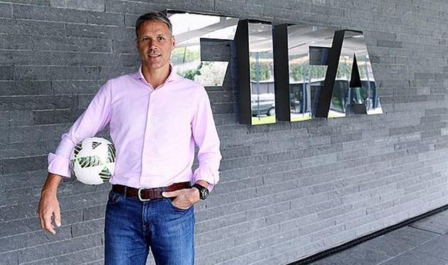 Ван Бастен возглавил департамент ФИФА потехническому развитию
