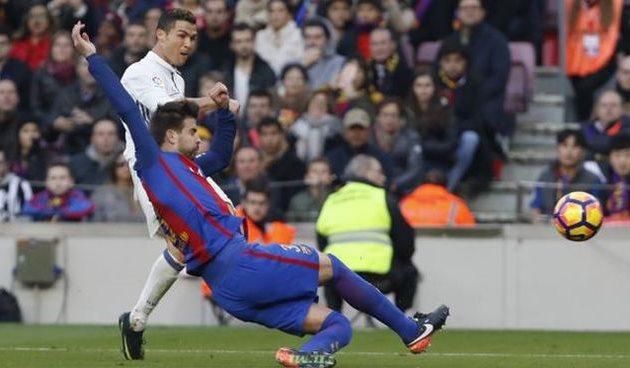 Реал на последних минутах ушел от поражения на Камп Ноу