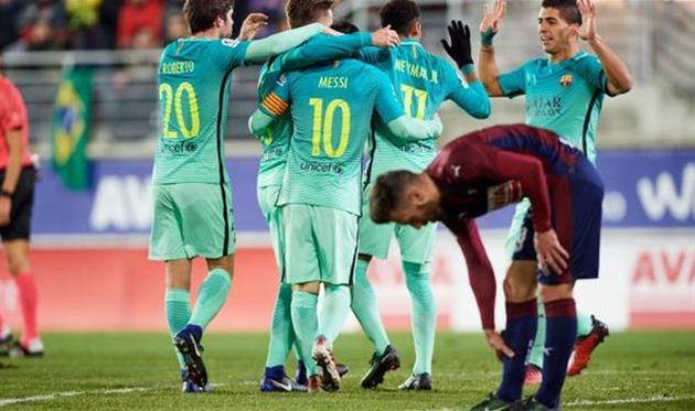 Барселона на выезде громит Эйбар