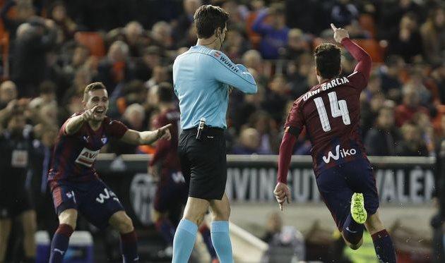 «Валенсия» пропустила 4 мяча от«Эйбара»