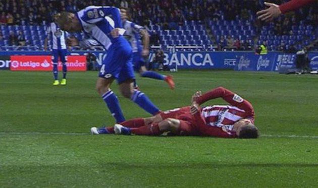 Футболист Торрес неполучил серьезных травм при падении инаходится всознании