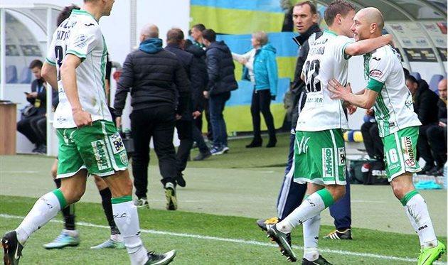 Игорь Худобяк празднует гол в ворота Александрии, ФК Карпаты