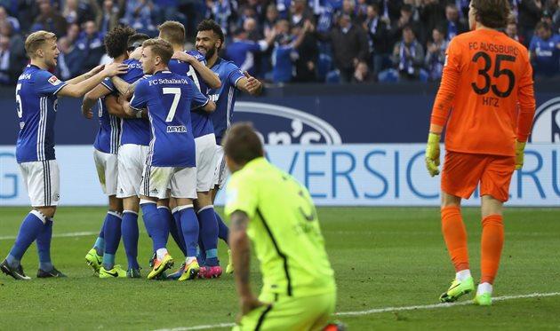 Футболисты «Шальке» победили «Аугсбург» вматче чемпионата Германии