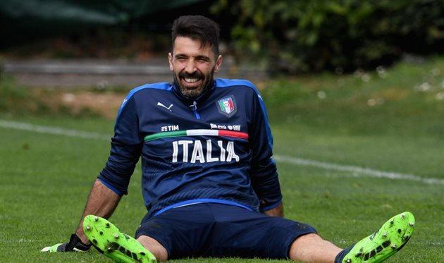 Буффон установил удивительный рекорд засборную Италии