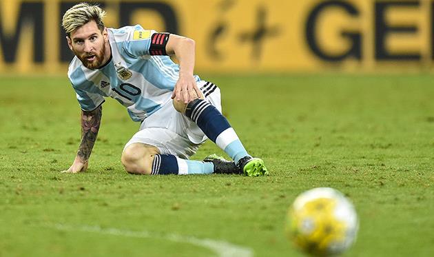 ФИФА может дисквалифицировать Месси заоскорбление арбитра