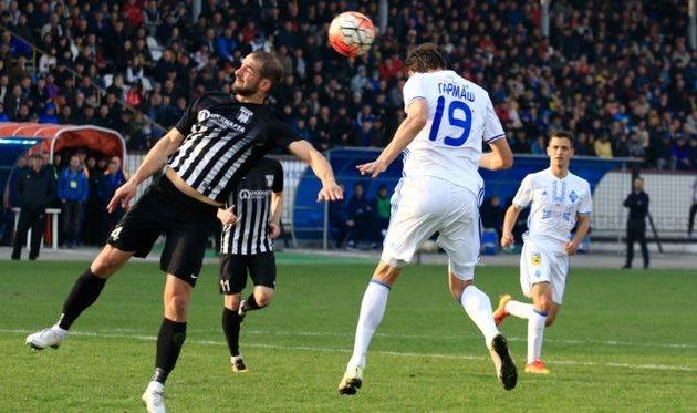 Гармаш пробивает по воротам, fcdynamo.kiev.ua