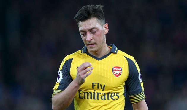 """Месут Озил: «Сейчас ни я, ни остальные игроки """"Арсенала"""" неважны клубу»"""