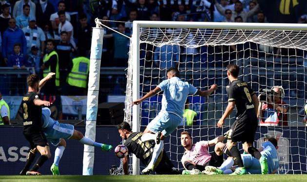 «Лацио» разгромил «Палермо» вчемпионате Италии, забив 5 мячей за19 мин.