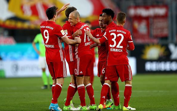 «Бавария» уничтожила «Вольфсбург» и преждевременно стала чемпионом Германии