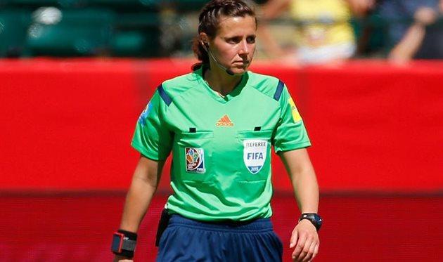 Екатерина Монзуль будет судить матчи женского Евро